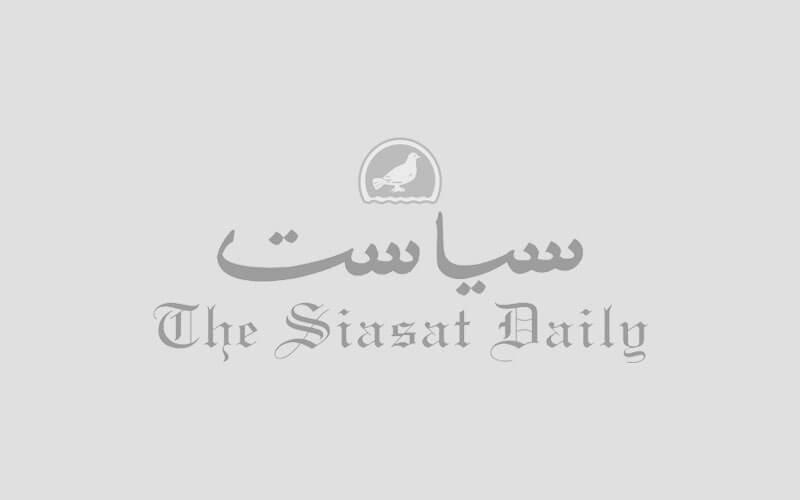 तेलंगाना: हाउस वाइफ महिला ने बिजली वाली तारों को छूकर आत्महत्या कर ली!