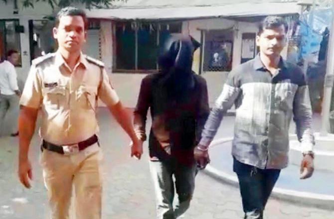 नहाने के दौरान महिला की खु़फ़ीया वीडियोग्राफी। कर्मचारी को जेल 20