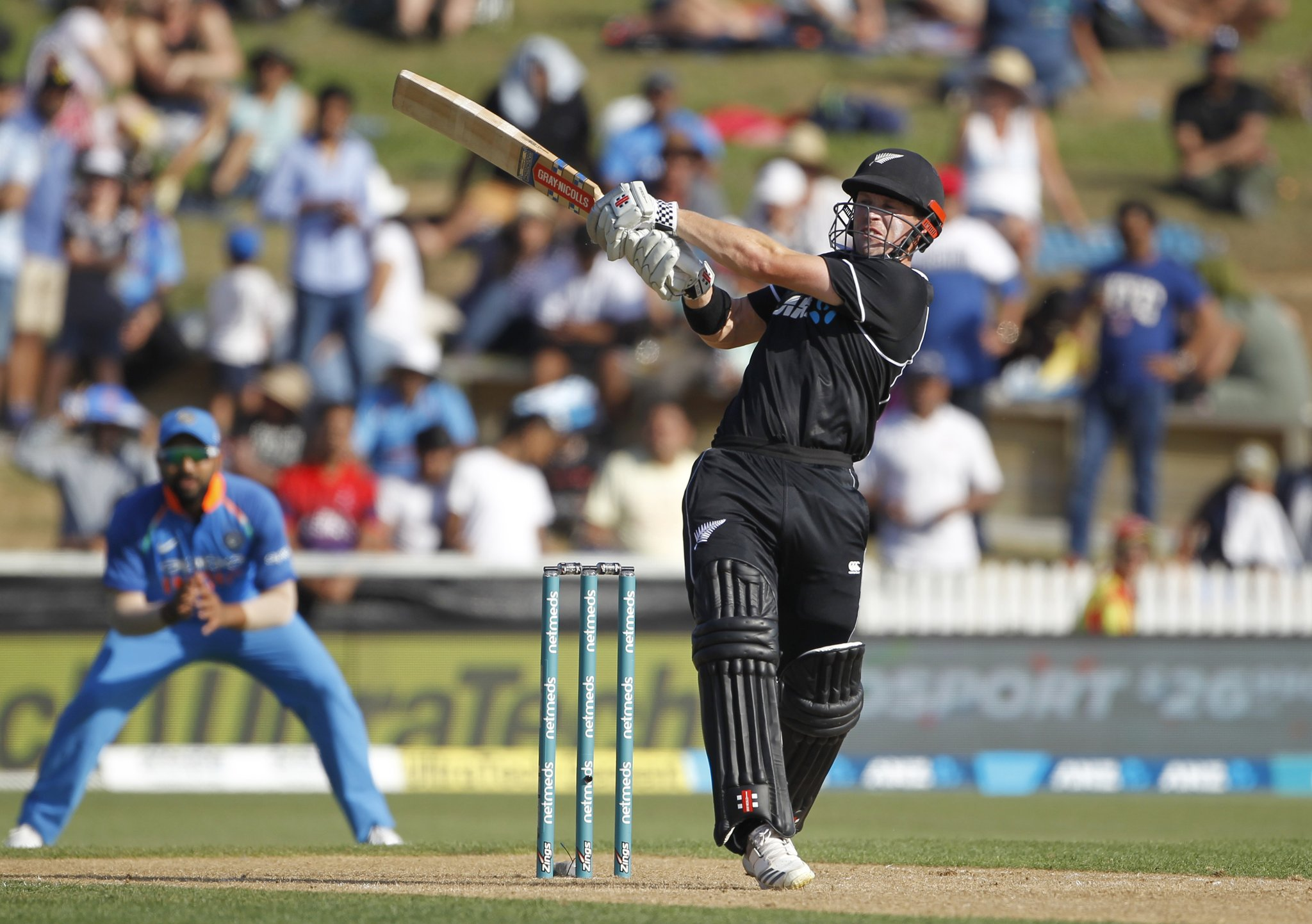 चौथे वनडे में भारत को न्यूजीलैंड ने आठ विकेट से हराया, 92 रनों पर ढेर हो गई थी टीम इंडिया 11
