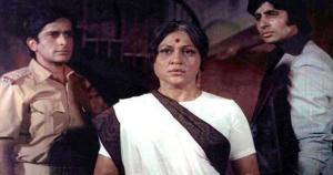 VIDEO & PICS: फिल्मी पर्दे पर मां का सबसे बेहतरीन किरदार निभाने वाली निरुपा रॉय 4