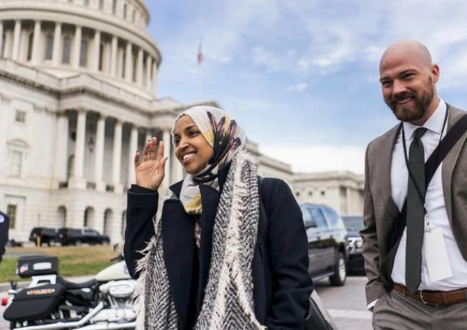 जानिए, अमेरिका की संसद में क्या रहा है हिजाब का इतिहास? 10
