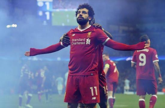 दुनिया के सबसे बड़े मुस्लिम फुटबॉलर ने फिर से रचा इतिहास 7