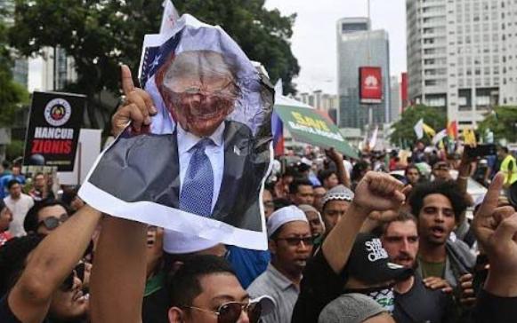 अमेरिका: राष्ट्रपति ट्रम्प के खिलाफ़ मुसलमानों ने चलाया कैंपेन! 2