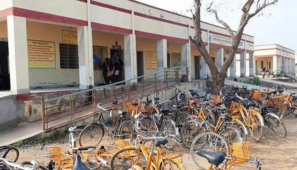 अलवर के सरकारी स्कूल को मॉडल प्रोजेक्ट के साथ बदलाव के बाद 12 वीं में 98% छात्र उत्तीर्ण 6