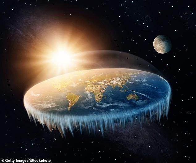 सिद्धांतकारों का दावा : ब्लड मुन सूर्य के सामने से गुजर रही एक अनदेखी 'शैडो ऑब्जेक्ट' के कारण था 5