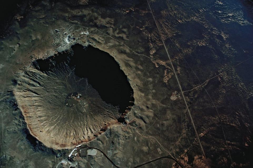 जब पृथ्वी से क्षुद्रग्रह का टक्कर हुआ : पृथ्वी पर 10 सबसे बड़ी ज्ञात निशान और इसका प्रभाव 13