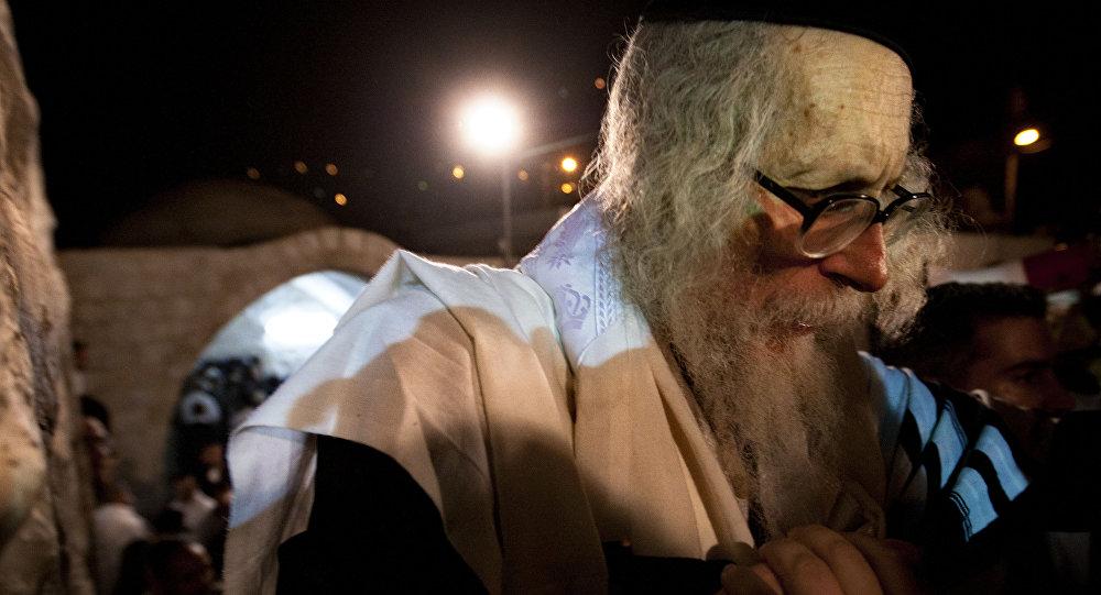 ब्रेन डेड घोषित हुए लोगों को 5,400 डॉलर के भुगतान पर जीवित करेगा इज़राइली सेक्स अपराधी रब्बी 3