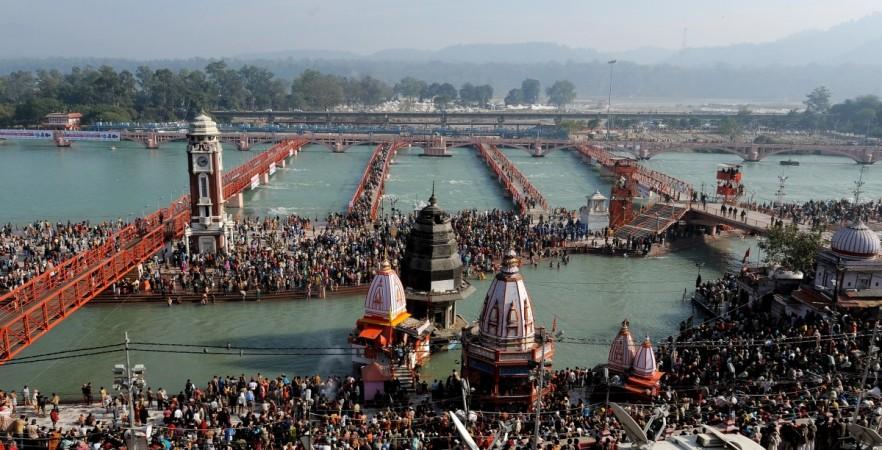 योगी ने 'अर्द्ध कुंभ' को नाम बदलकर 'कुंभ' करने की घोषणा की, हिंदू धार्मिक हस्तियों का विरोध शुरू 7