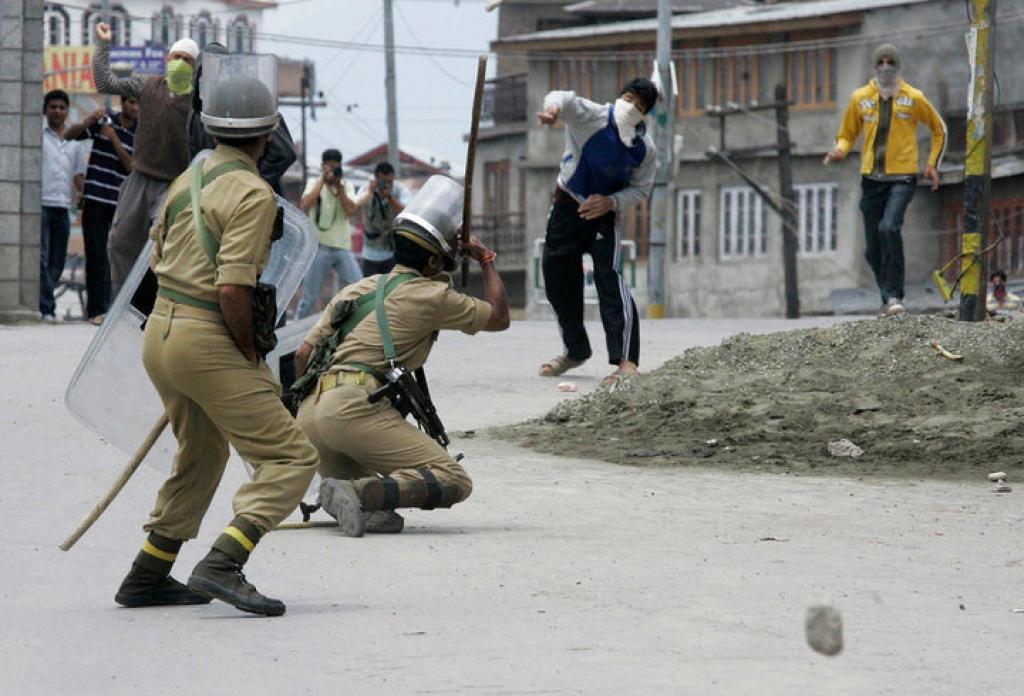 'कश्मीर में प्रेस पर प्लेट गन का इस्तेमाल'! चपेट में आने वाले चार घायलों में से एक HT फोटो जर्नलिस्ट 3