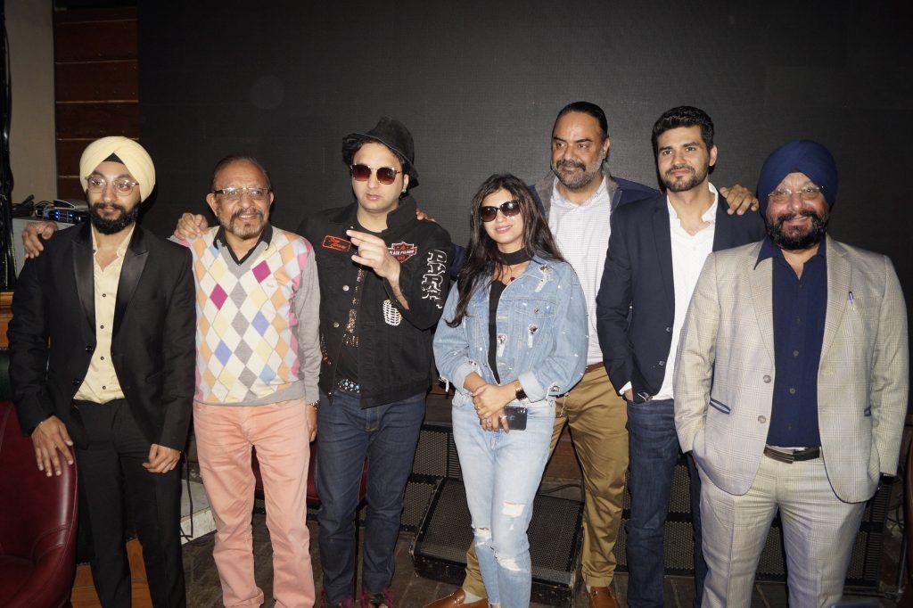 डीजे सुमित सेठी और पंजाबी सिंगर मीत कौर ने अपना नया ट्रैक 'झांझरन' लॉन्च किया 7