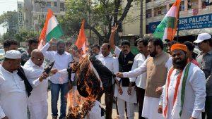 पुलवामा हमला: तेलंगाना में भी मुस्लिमों ने किया प्रदर्शन, दुश्मनों को कड़ा संदेश 11