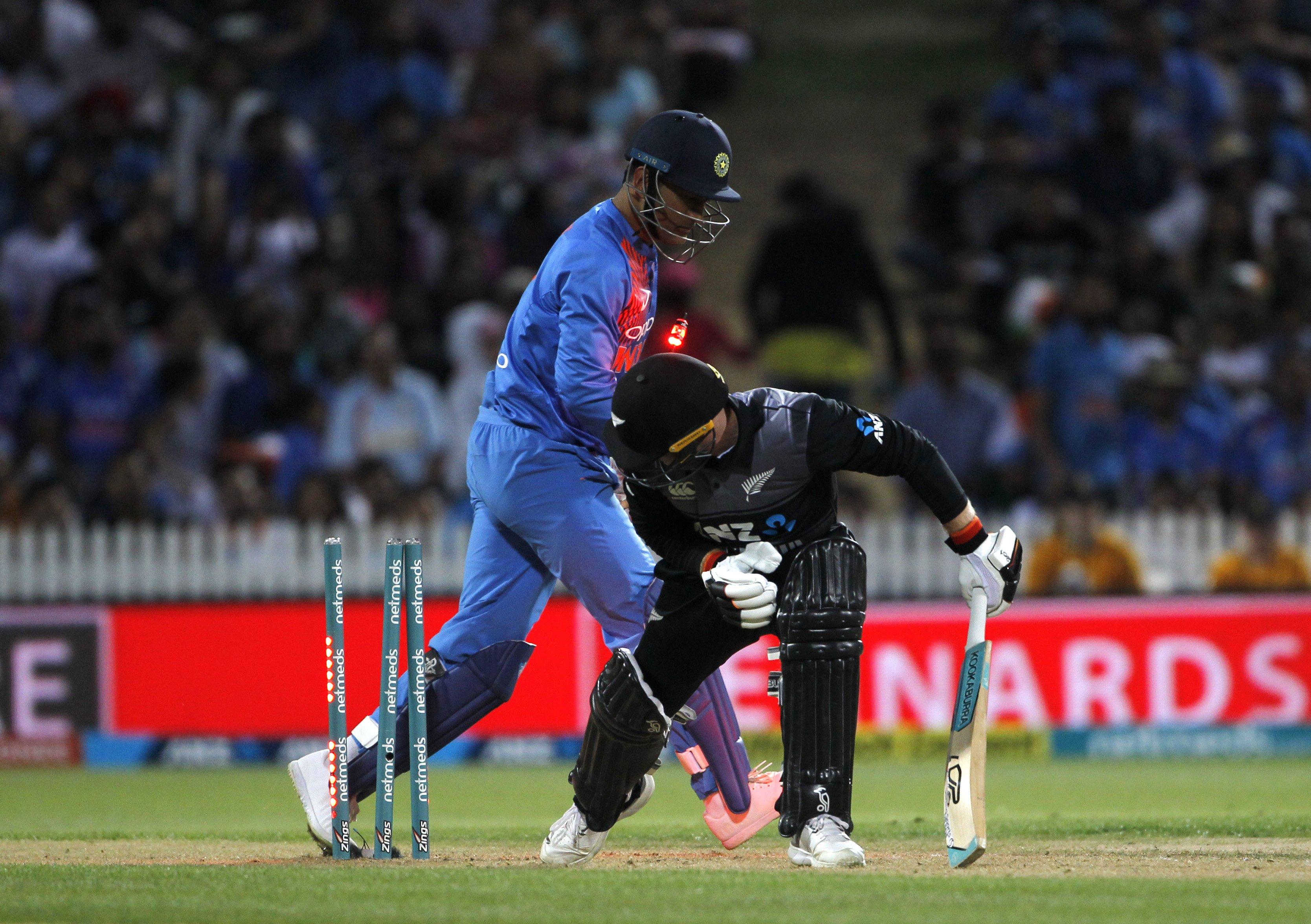 रोमांचक मुकाबले में भारत की 4 रन से हार, न्यूजीलैंड ने सीरीज पर किया कब्जा 7