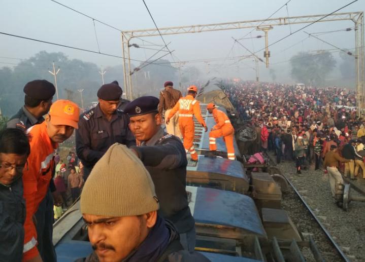 सीमांचल एक्सप्रेस हादसा: मरने वालों के परिजनों को पांच- पांच लाख रुपए का मुआवजा 10