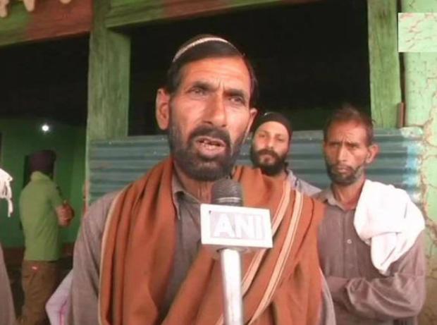 जम्मू-कश्मीर: शहीद औरंगजेब के पिता हुए बीजेपी में शामिल! 10