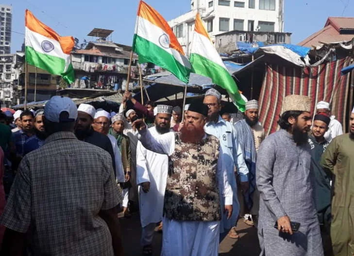 पुलवामा हमला: मुम्बई के मुसलमानों ने निकाली रैली, पाकिस्तान का विरोध किया! 11