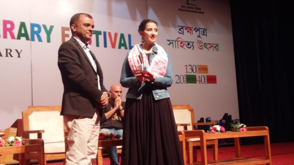 बॉलीवुड अभिनेत्री मनीषा कोईराला बनीं तीसरे ब्रह्मपुत्र साहित्य महोत्सव की ख़ास मेहमान 4