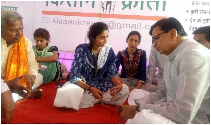 किसानों के लिए भूख हड़ताल कर रही थीं तीन बहनें, पुलिस ने जबरन ICU में भर्ती कराया, तोड़फोड़ भी की 9