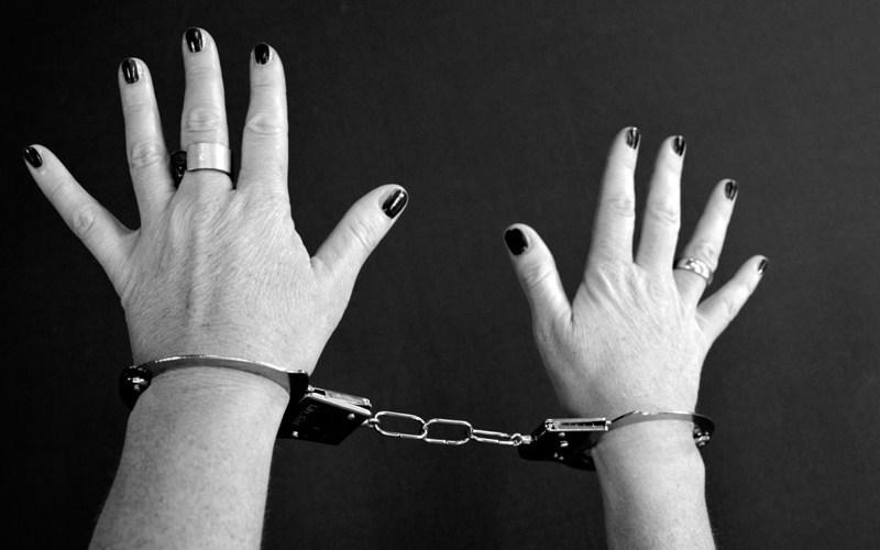 महिला ने चोरी किए लाखों के जे़वर 7
