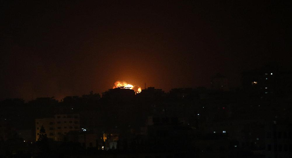 तेल अवीव में मिजाइल हमले के बाद इज़राइल ने गाजा पट्टी में लगभग 100 ठिकानों पर हमला किया 8