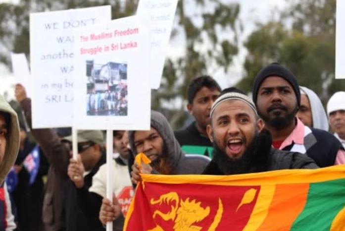 बम धमाकों के बाद दहशत में जी रहे हैं श्रीलंका के मुसलमान! 12