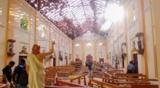 श्रीलंका ब्लास्ट: एक ही परिवार के इतने लोगों ने खुद को उड़ाया! 17