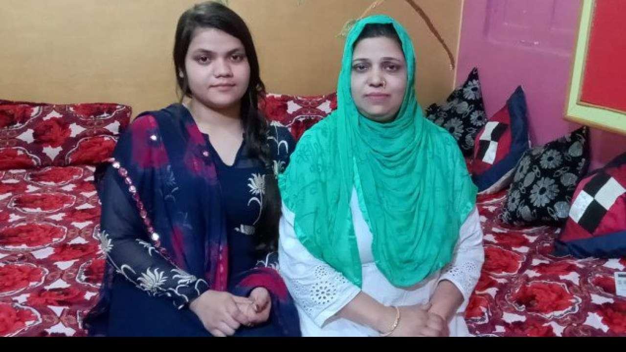 मुबारकबाद ! बावर्ची की बेटी सना नियाज़ बनी दिल्ली के सभी सरकारी स्कूलों की टॉपर ! 12