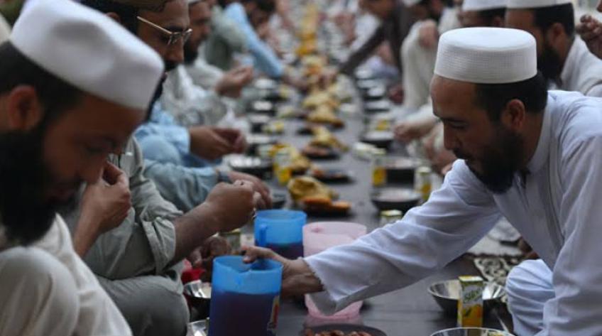 रमज़ान में रोज़ा नहीं रखने पर मुस्लिम देशों में क्या है कानून? 1