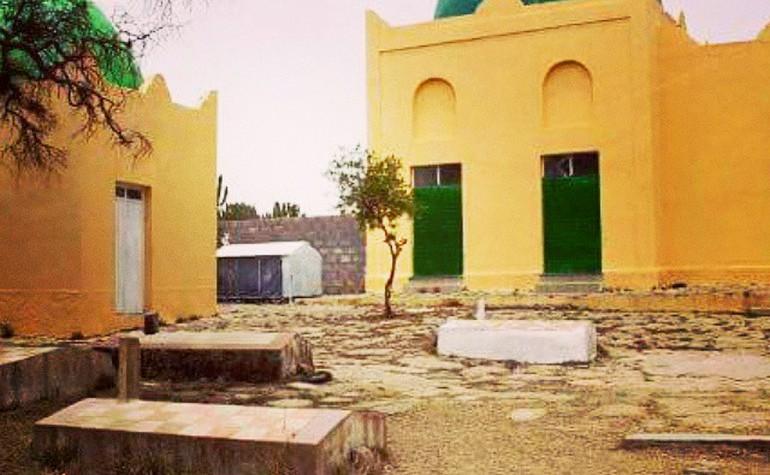 वो जगह जहां दुनिया का पहला मुस्लिम राजा दफ्न है 1