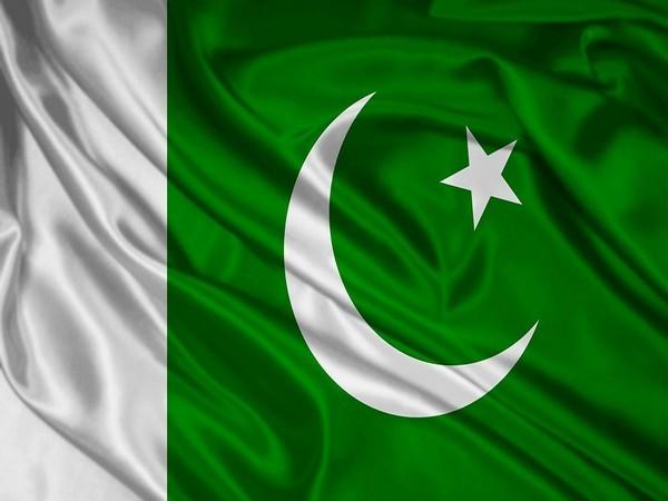 पाकिस्तान में हिंदू लड़कियों का धर्मांतरण रोकने के लिए प्रस्ताव पास ! 17