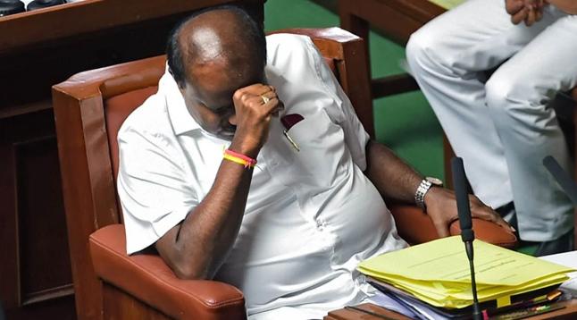 कर्नाटक घमासान: बागी विधायकों ने मांगा वक्त! 11