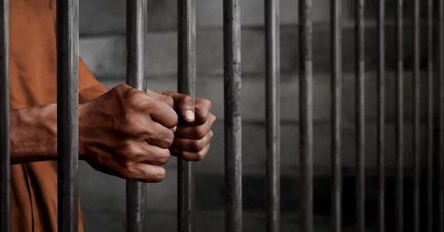 रात के वक़्त पान शाप चलाने पर हैदराबाद में एक शख़्स को दो दिन की जेल 17