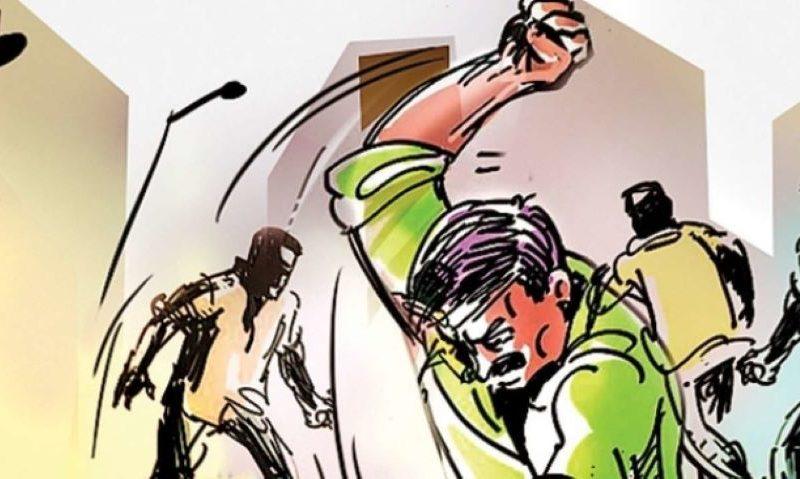 झारखंड में गौमांस ले जाने के आरोप में एक शख्स की पीट-पीटकर हत्या, दो की हालत गंभीर! 8