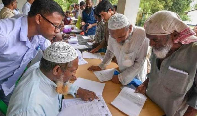 असम NRC विवाद: मुस्लमानों की मदद कर रहे हैं हिन्दू! 16