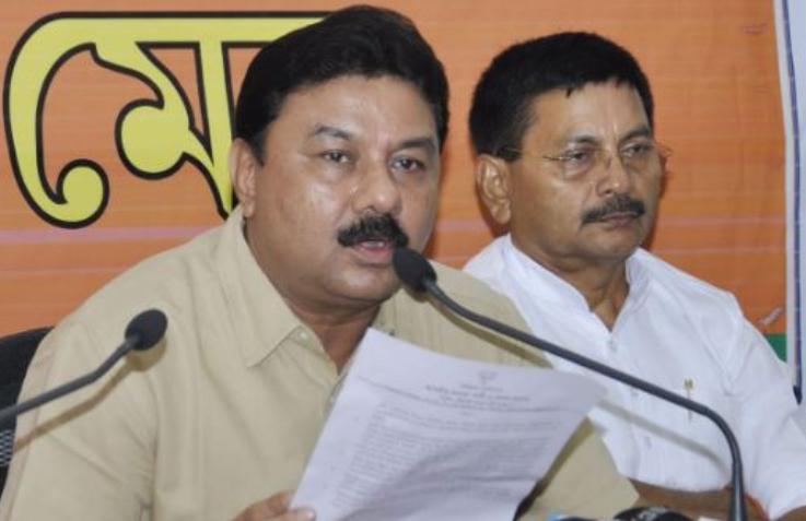 असम NRC पर बोले बीजेपी नेता- 'विदेशियों का नाम शामिल होने की संभावना अधिक है' 3