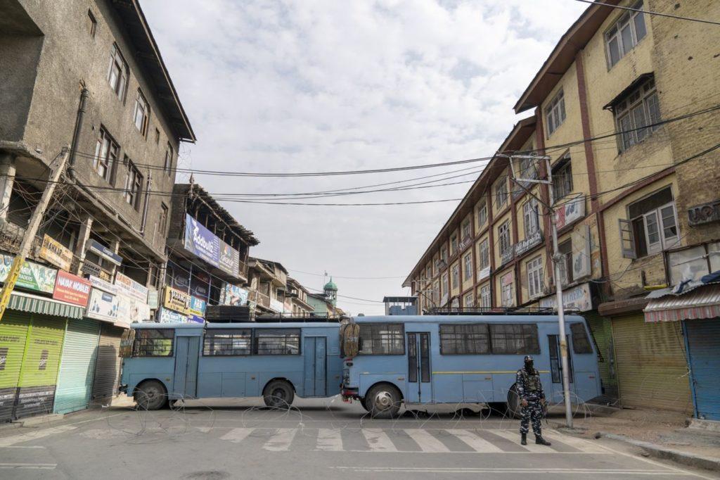 श्रीनगर : परिमपोरा सब्जी और फलों का बाजार एशिया में सबसे बड़ा! कई दिनों से बंद 1