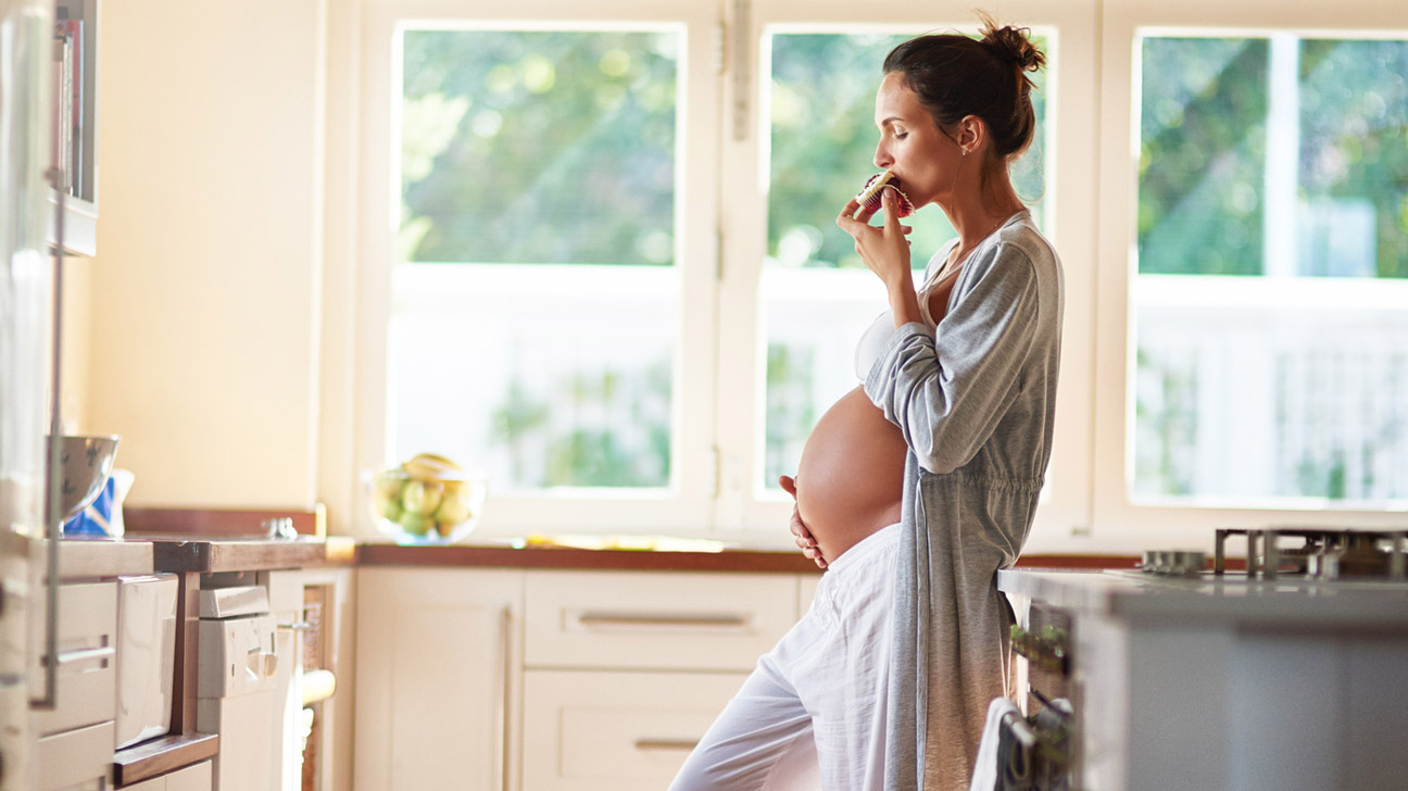 जब आप गर्भवती हों तो किस तरह के खाद्य पदार्थ खाएं 4