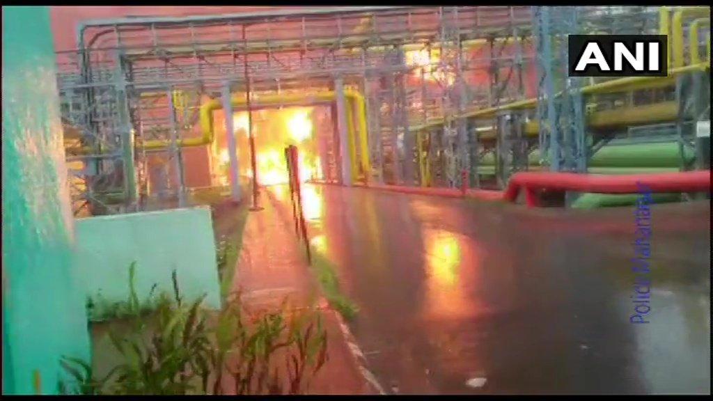 नवी मुंबई में ONGC प्लांट में लगी भीषण आग, 4 लोगों की मौत 7