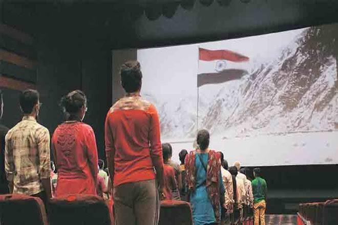 सिनेमा हाल में राष्ट्रगान के दौरान बैठे थे चार लोग, एक्टर सहित भीड़ ने कहा-पाकिस्तानी आतंकी 18