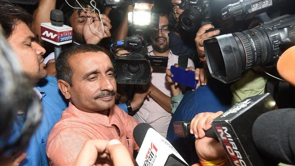 उन्नाव गैंगरेप:  कुलदीप सिंह सेंगर और अन्य के खिलाफ़ हत्या का आरोप हटाया गया! 5