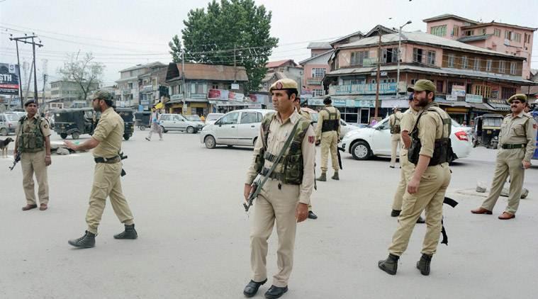 कश्मीर में अब सरकारी कामकाज की भाषा ऊर्दू नहीं हिंदी 14