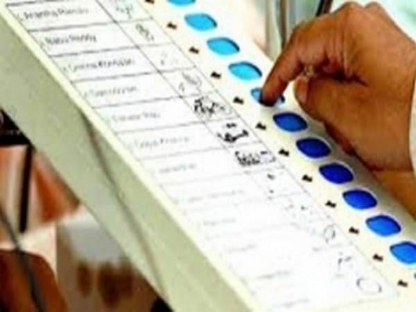 झारखंड चुनाव: पांचवें और आखिरी चरण में 16 सीटों पर मतदान जारी! 14