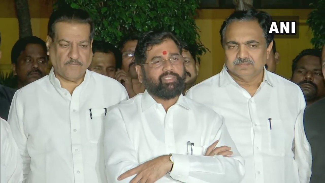 कांग्रेस,NCP और शिवसेना ने मसौदा तैयार किया, महाराष्ट्र में जल्द बन सकती है सरकार 16