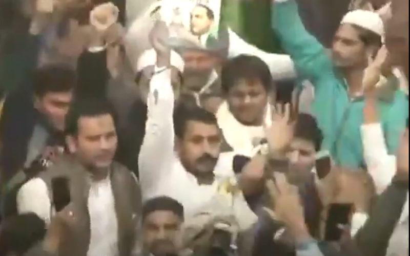 CAA प्रदर्शन : कोर्ट की दिल्ली पुलिस को फटकार, कहा- 'जामा मस्जिद पाकिस्तान में नहीं' 15