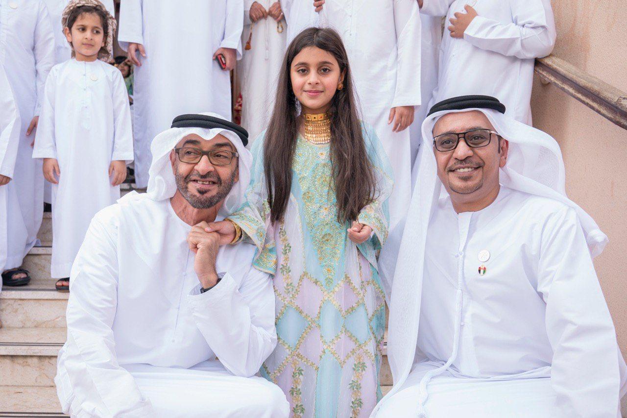 जब वायरल वीडियो देखकर दुबई के प्रिंस एक बच्ची से मिलने पहुच गए उसके घर 1