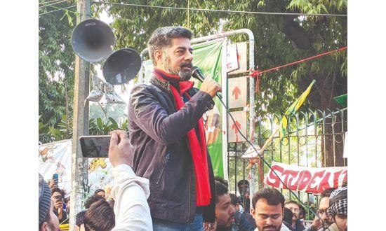 सीएए-एनआरसी-एनपीआर के खिलाफ सुशांत सिंह पहुंचे जामिया 7