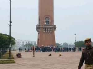 CAA-NRC: प्रदर्शनकारियों के छीने गये कंबल और खाने- पीने के सामान! 4