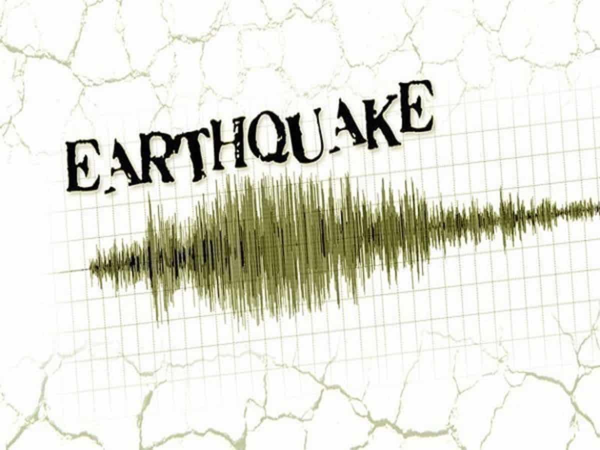 गुजरात और कश्मीर में भूकंप के झटके, घरों से बाहर निकले लोग, दहशत 22