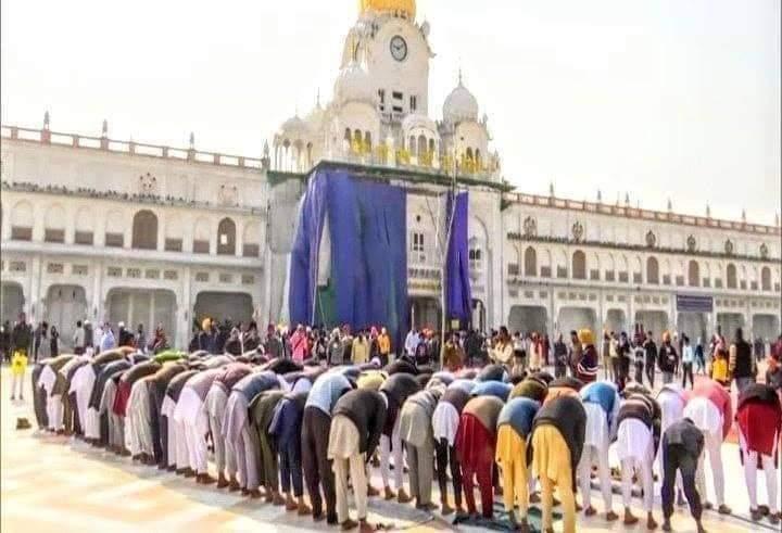 सिख- मुस्लिम भाईचारा: क्या बीजेपी को गुरुद्वारा के बाहर नमाज़ नहीं हो रहा है हजम? 14