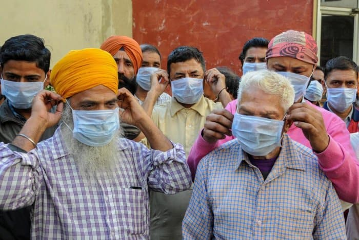 भारत में लगातार बढ़ रहे हैं कोरोना वायरस संक्रमित लोगों की संख्या! 3