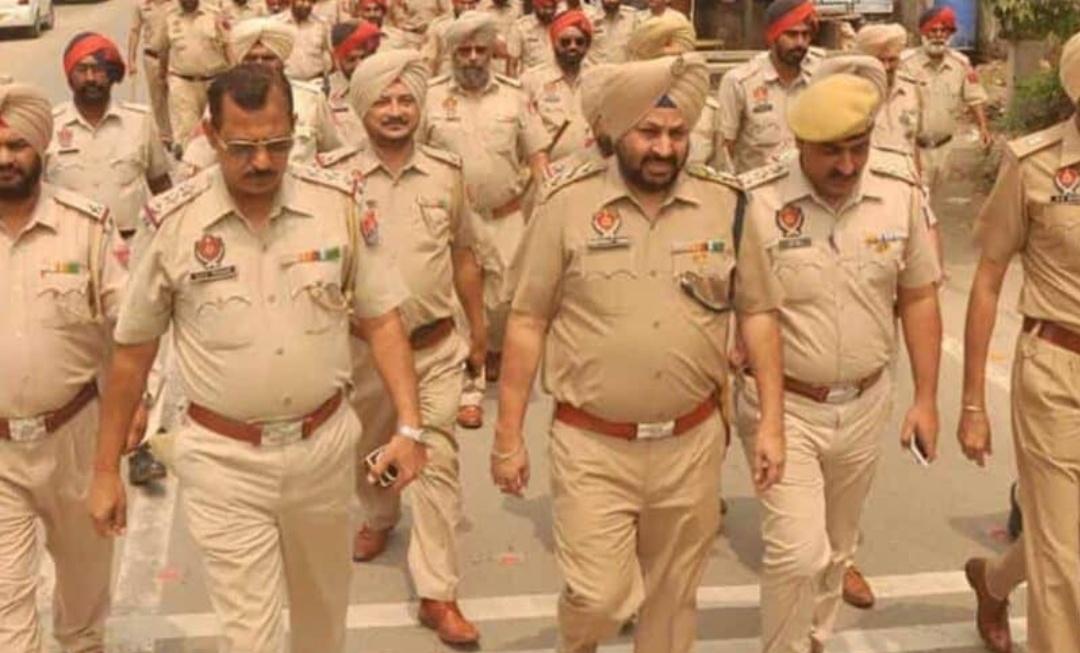 गिरफ्तार शख्स को कोरोना पॉजिटिव आने के बाद पंजाब पुलिस के सात कर्मियों को कोरेंटाइन किया गया! 9